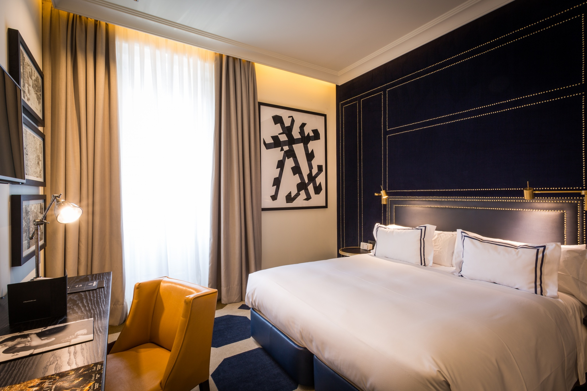 Habitaciones de lujo only you boutique hotel madrid for Only you hotel