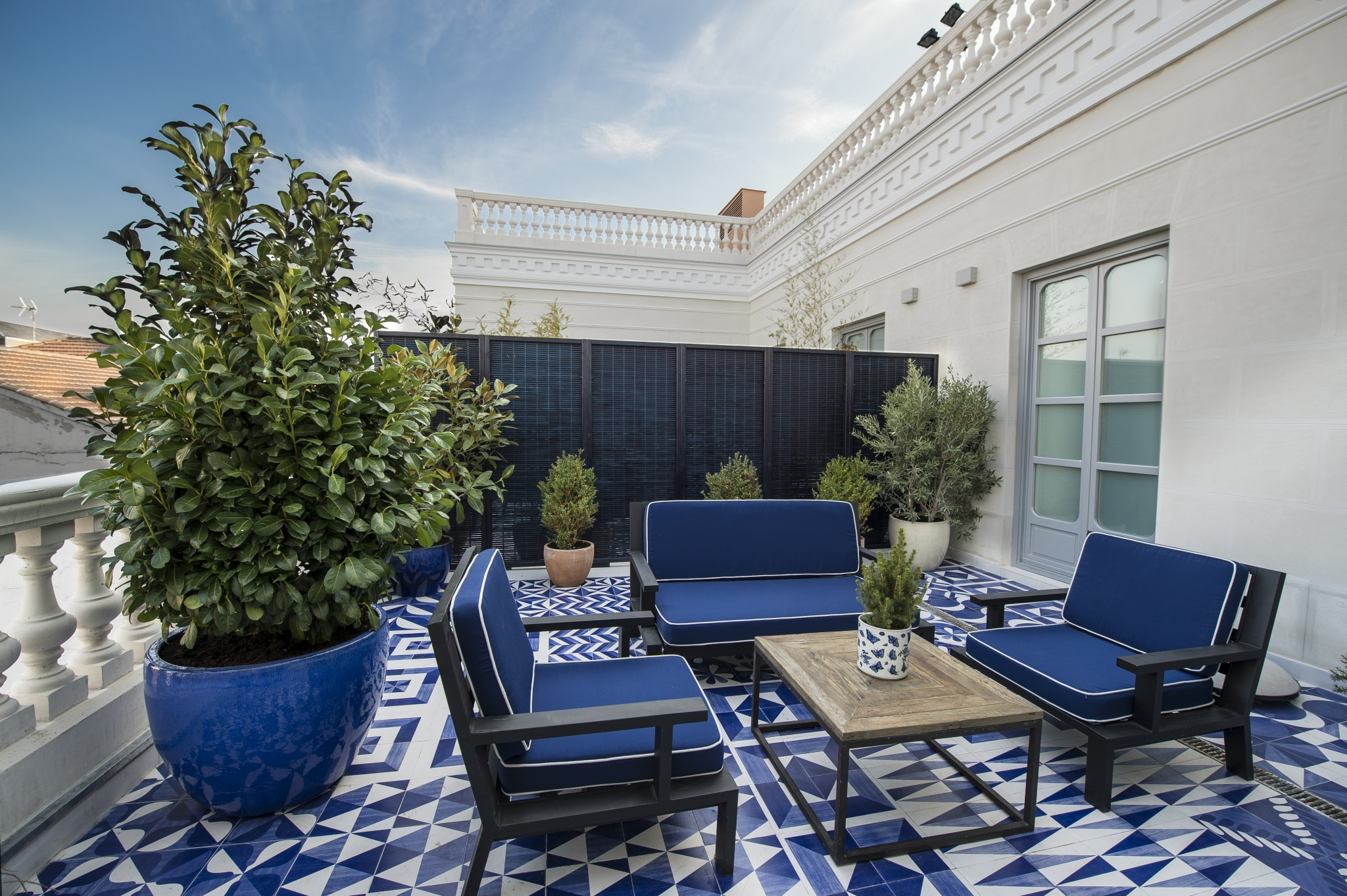 Habitaciones de hotel con terraza only you boutique for Hotel boutique madrid